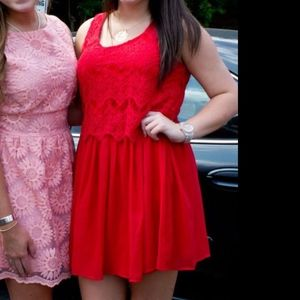 GB red dres